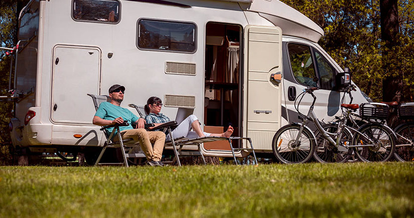 Enjoy your Trip on Motor homes and Travel Trailers