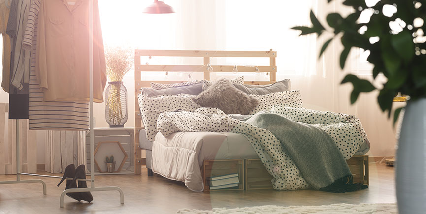 Bedroom with bed and lamps